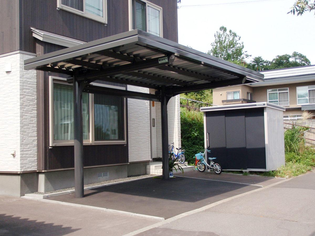 小樽市K様邸-片持ちカーポート