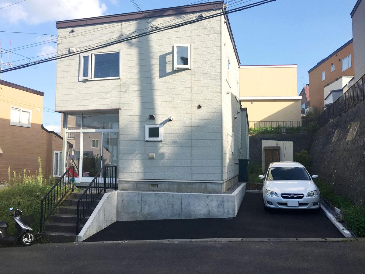 小樽市K様邸-コンクリート打ち放し土留め擁壁