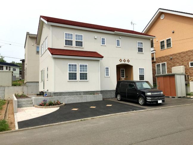 小樽市M様邸-コンクリート打ち放し土留め擁壁