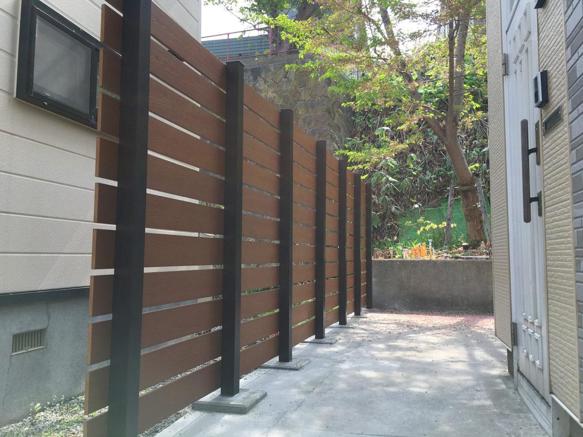 小樽市K様邸-目隠し樹脂板フェンス