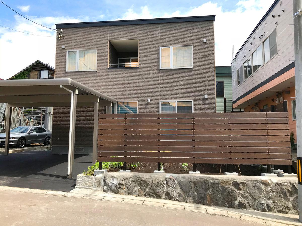 小樽市Y様邸-目隠し樹脂板フェンス
