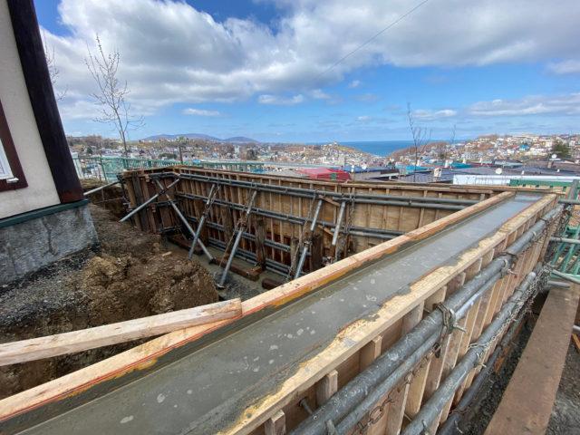 N邸-鉄筋コンクリート擁壁生コン打設完了